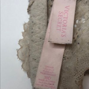 Victoria's Secret Intimates & Sleepwear - Victoria Secret Gray/pink/tan bra size 38D